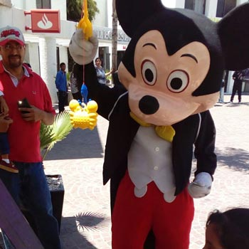 Show Mickey Mouse